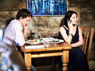 Téléphoner à table